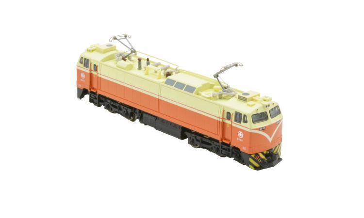 台鐵 E200-400 電力機車頭
